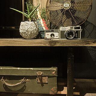 男性の、3K、一人暮らしの「机」についてのインテリア実例