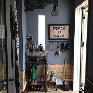 女性の、Other、家族住まいの「玄関/入り口」についてのインテリア実例