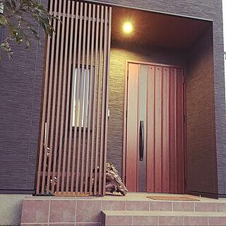 木目天井/黒い外壁/玄関ドア/格子/流木...などのインテリア実例 - 2020-01-17 18:23:48