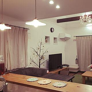 女性41歳の家族暮らし、ミルクガラスシェードランプに関するhitomiさんの実例写真