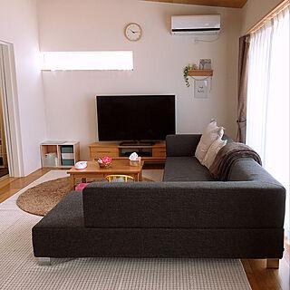 女性28歳の家族暮らし4LDK、60インチTVに関するSUZUさんの実例写真