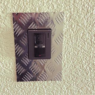 玄関/入り口/メタルプレート/アルミ縞鋼板/Panasonicインターホン/一人暮らしのインテリア実例 - 2018-12-14 14:26:05