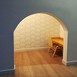 女性32歳の家族暮らし4LDK、階段スペースに関するmakigirlさんの実例写真