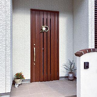女性家族暮らし4LDK、リメイク ドアに関するMamiyさんの実例写真