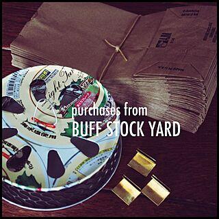 ベッド周り/BUFF STOCK YARD/蚊取り線香ケース/カード立て/英字の茶封筒...などのインテリア実例 - 2014-07-30 01:19:26