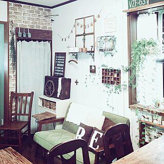 女性47歳の家族暮らし、セリアレンガ風リメイクシートに関するtomoさんの実例写真