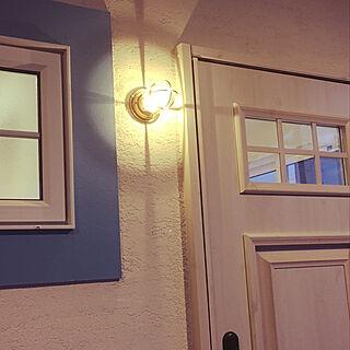 玄関/入り口/マリンランプ/塗り壁/モールディング/玄関ドア...などのインテリア実例 - 2017-12-24 21:50:07