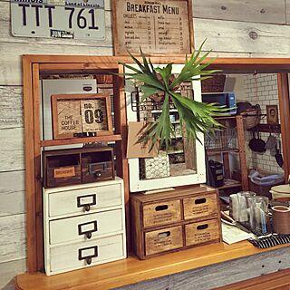 女性の、、家族住まいの「机」についてのインテリア実例