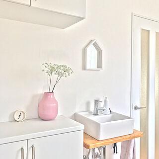 玄関/入り口/ピンクの花瓶/GRADVIS/IKEA/フラワーベース...などのインテリア実例 - 2019-02-24 12:44:42