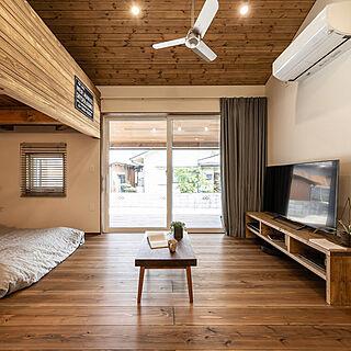男性家族暮らし、杉の無垢床に関するkazukiさんの実例写真