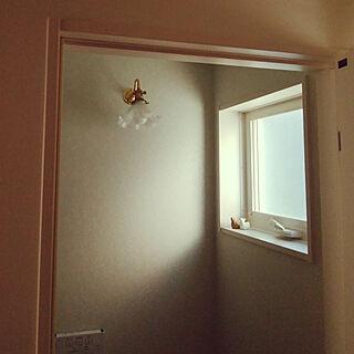 バス/トイレ/階段下トイレ/お花のランプのインテリア実例 - 2020-02-21 09:45:45