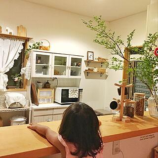 女性31歳の家族暮らし、食器棚の中に関するpink-mapleさんの実例写真