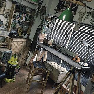 男性の、3LDK、家族住まいの「机」についてのインテリア実例