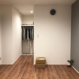 ベッド周り/グレーの壁紙/Dフロア ライトメープル/リキクロック/W.I.C...などのインテリア実例 - 2018-10-16 20:31:24