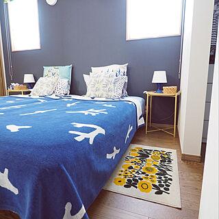 IKEA テーブルランプ/IKEA サイドテーブル/壁紙/寝室/ベッドルーム...などのインテリア実例 - 2019-09-20 10:09:23