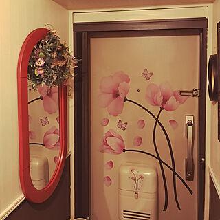 女性家族暮らし4DK、腰壁風壁紙に関するmachakoさんの実例写真