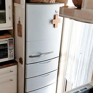 キッチン/冷蔵庫板壁DIY/白と木が好き♡/冷蔵庫リメイク/ナチュラルが好き♡...などのインテリア実例 - 2019-11-29 12:04:19