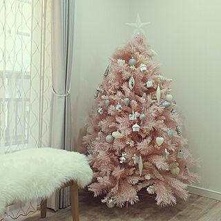 女性家族暮らし、ピンクのクリスマスツリーに関するku-kaiさんの実例写真