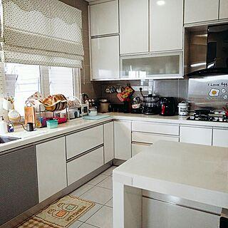 キッチン/White/kitchen cabinets/natural kitchen/cabinetのインテリア実例 - 2016-08-16 17:10:54