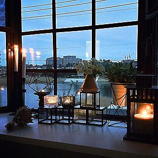 女性家族暮らし3LDK、窓枠風DIYに関するkuruさんの実例写真