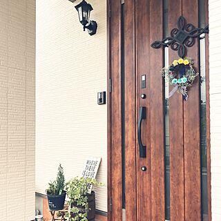 玄関/入り口/台風対策/天気予報に焦る…/植物増やしたい/リクシルの玄関ドア...などのインテリア実例 - 2017-07-03 21:46:09