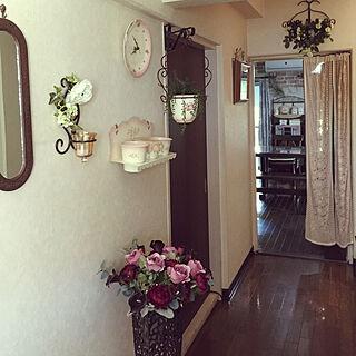玄関/入り口/フランフランの造花/アイアンが好き/雑貨/フェイクグリーン...などのインテリア実例 - 2018-07-10 07:54:33