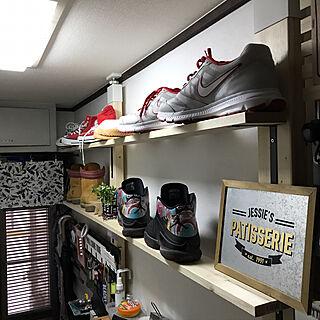 玄関/入り口/この場所にしか置けない靴/狭い玄関/30㎝靴/下駄箱に入らないBIGな靴...などのインテリア実例 - 2017-08-17 07:43:03
