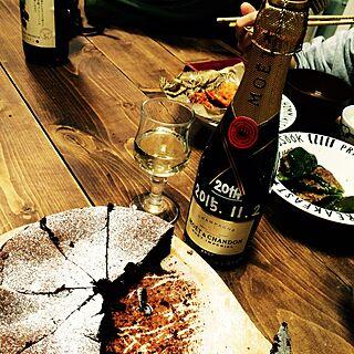 机/シャンパン/ガトーショコラ/成人のお祝い/20歳の誕生日✩...などのインテリア実例 - 2015-11-02 10:57:53