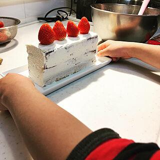 女性家族暮らし4LDK、バースデーケーキに関するroom55さんの実例写真