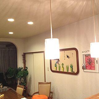 女性55歳の家族暮らし、キッチン側壁に関するkatsuwoさんの実例写真