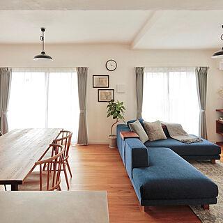 リビング/IKEA/無垢床/ブルーのソファ/カウチソファ...などのインテリア実例 - 2018-06-21 09:18:01