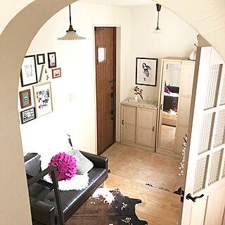 女性32歳の家族暮らし4LDK、下駄箱上に置いたに関するRiiさんの実例写真