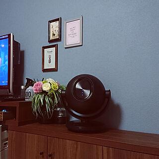 家族暮らし4LDK、テレビ周辺に関するyossyさんの実例写真