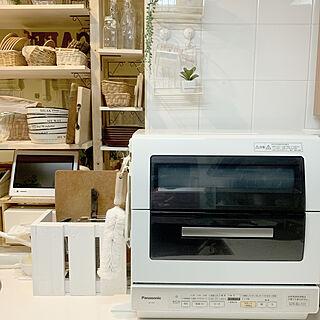 女性家族暮らし3LDK、キッチンのカウンター上の様子に関するISM.mumさんの実例写真