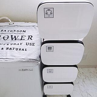 家族暮らし4LDK、洗濯機周りに関するrico...homeさんの実例写真