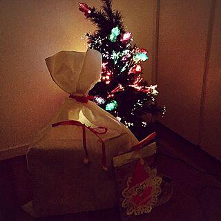 ベッド周り/サンタさん/クリスマス/小さいお家/黒いお家...などのインテリア実例 - 2016-12-25 00:05:45