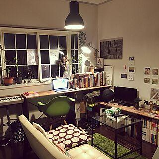 女性28歳の同棲、Macのある部屋に関するFumikaさんの実例写真