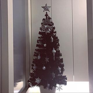 玄関/入り口/ブラックツリー/ジョイフルAK/クリスマスツリー/ホワイトインテリア...などのインテリア実例 - 2017-11-10 23:25:12