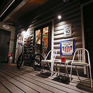 男性の、3LDK、家族住まいの「玄関/入り口」についてのインテリア実例