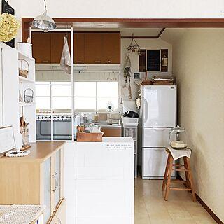 女性の、、家族住まいの「部屋全体」についてのインテリア実例