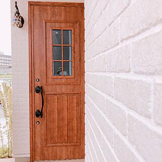 女性33歳の家族暮らし、LIXIL玄関ドアに関するsudachiさんの実例写真