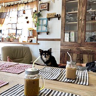 女性40歳の家族暮らし4LDK、食器棚リメイク中に関するyokochinさんの実例写真