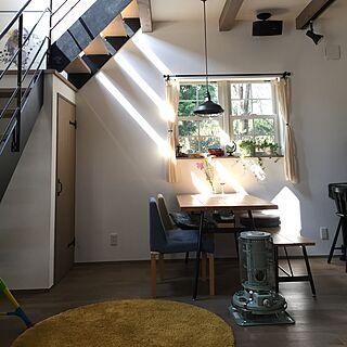 部屋全体/ストライプの日光/ダイニングテーブル/階段/造作ドア...などのインテリア実例 - 2017-03-20 10:12:27
