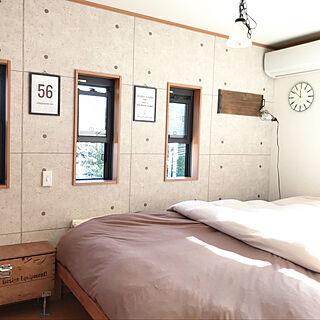 女性の、4DK、家族住まいの「ベッド周り」についてのインテリア実例