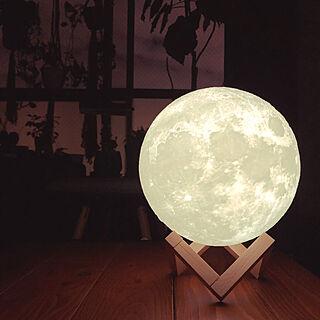 ベッド周り/月のランプ/ムーンライト/間接照明/一人暮らし/1DK...などのインテリア実例 - 2018-12-27 20:36:50