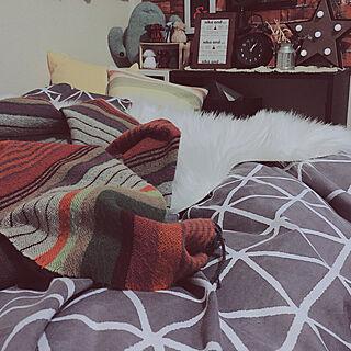 ベッド周り/ニトリの時計/ダイソーの布団カバー/2018.3.11☪ /暮らしの一コマ...などのインテリア実例 - 2018-03-11 22:45:06
