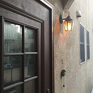 女性の、、家族住まいの「玄関/入り口」についてのインテリア実例