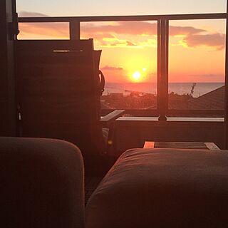 朝日/日の出/無印ソファー/ベランダ/海の見える家...などのインテリア実例 - 2017-01-01 18:35:46
