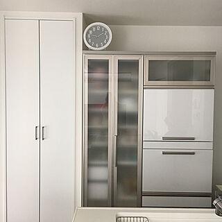 キッチン/ニトリの時計/収納式/ホワイトインテリア/食器棚...などのインテリア実例 - 2017-09-21 13:48:14