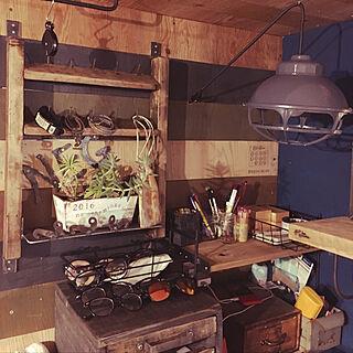棚/アイアン雑貨/古材棚DIY/増えた観葉植物/古材貼り合わせ...などのインテリア実例 - 2018-02-02 10:04:54